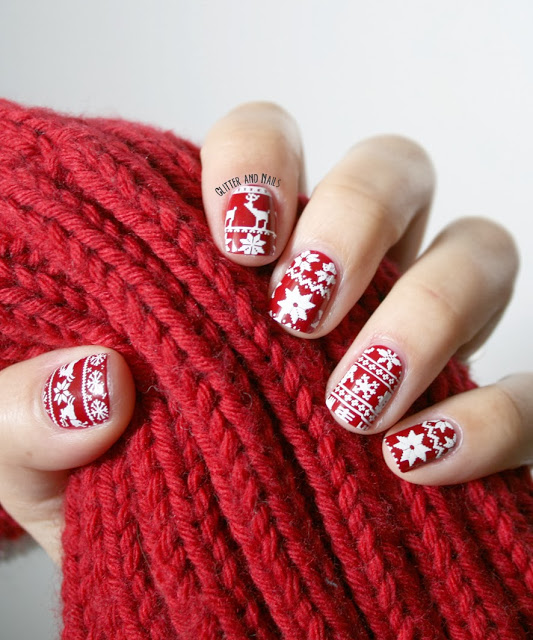 26 Awe Inspiring Christmas Nail Tutorials To Bedazzle The