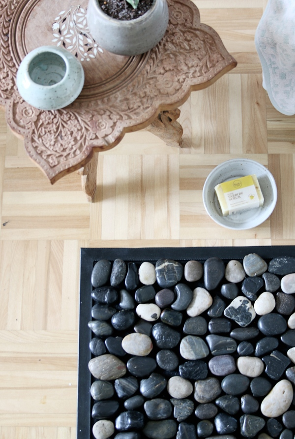 How to : Make a DIY Pebble Bath Mat