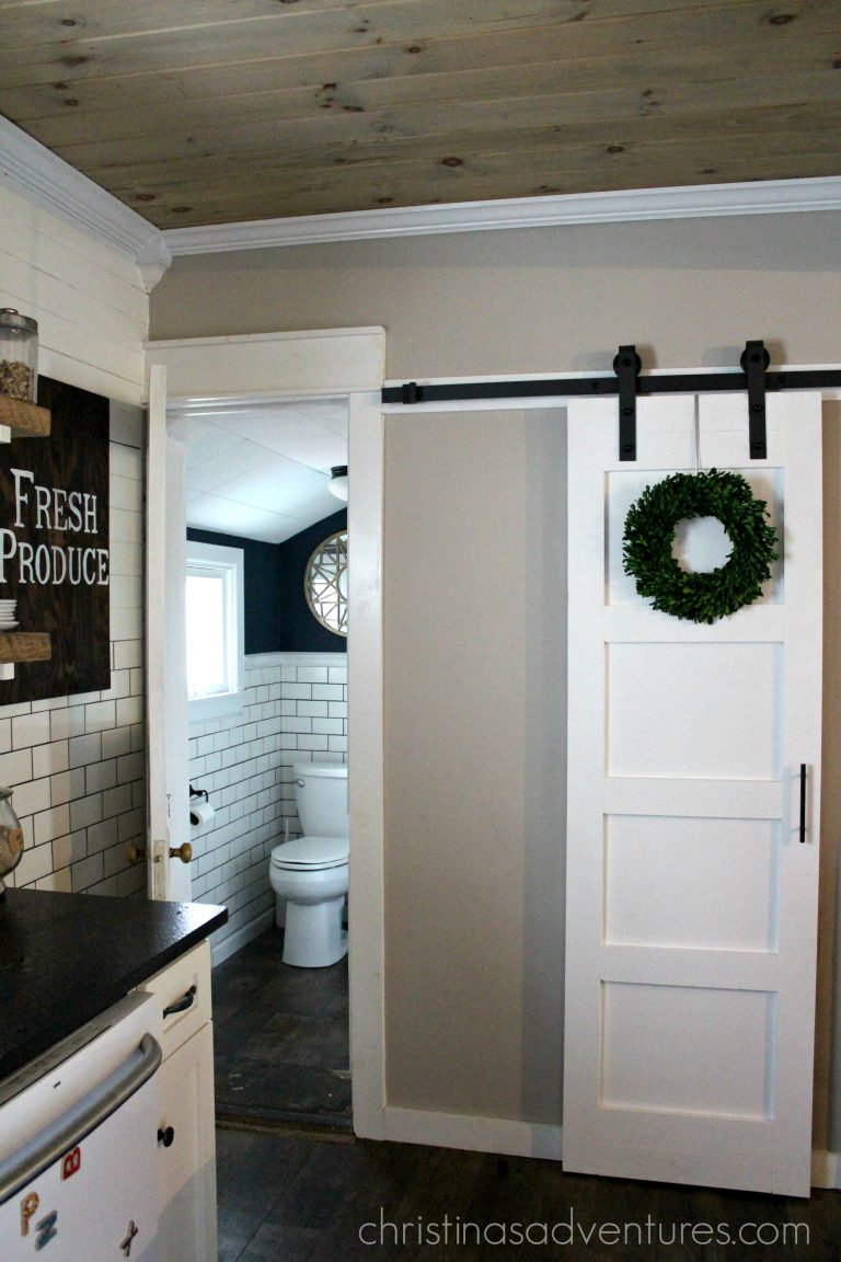 20 diy barn door tutorials super easy to follow even for the most novice wood constructors. Black Bedroom Furniture Sets. Home Design Ideas