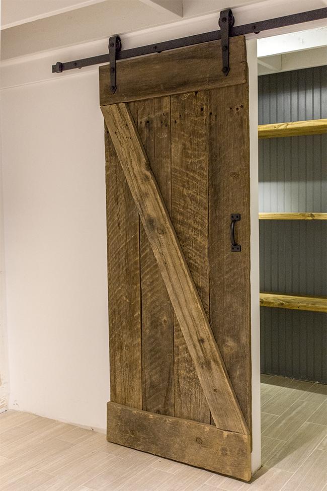 New Laundry Room: DIY Barn Door