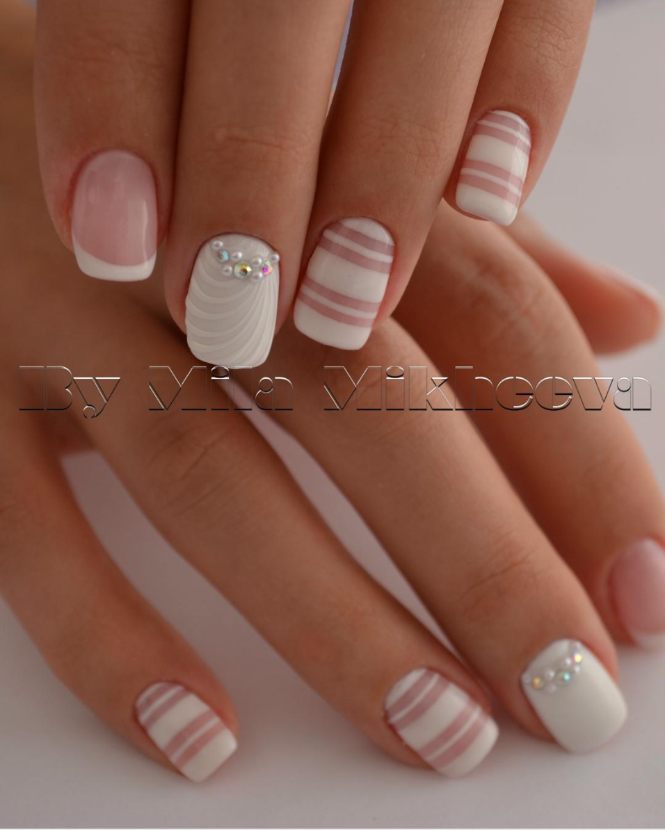 White Steals The Show - 50 Gel Nails Designs That Are All Your Fingertips Need To Steal The