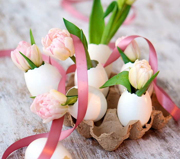 Broken Egg Shell Mini Vases