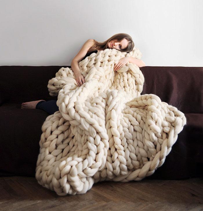 Cozy Giant Blanket In Just 4 Hours