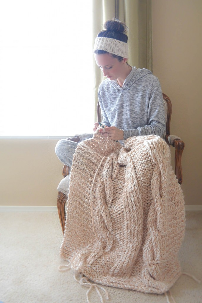 Knitting Patterns For Chunky Throws : 15 DIY Knitted Blankets That Are All About Comfort and Coziness