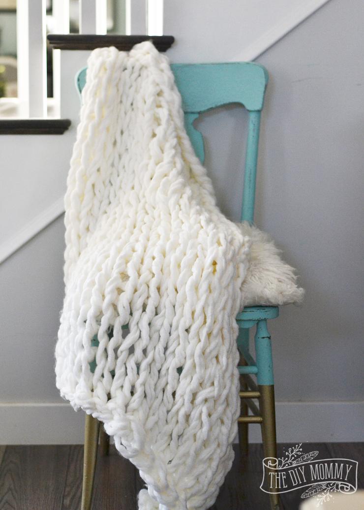 Make an Arm Knit Blanket in Less Than an Hour