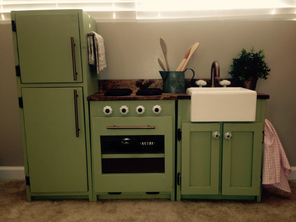 25 DIY Play Kitchen Ideas Apt and Appropriate For Your ...