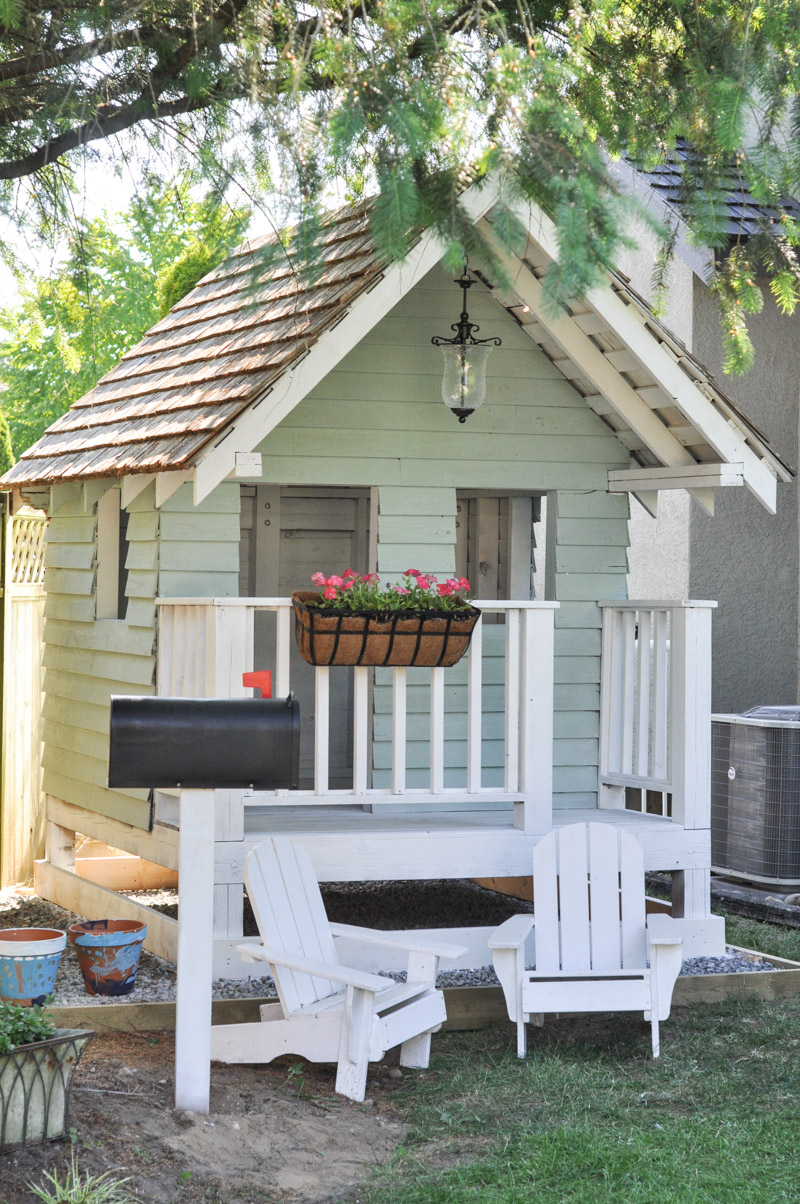 Excellent 25 Amazing Outdoor Playhouse Ideas To Keep Your Kids Occupied Interior Design Ideas Clesiryabchikinfo