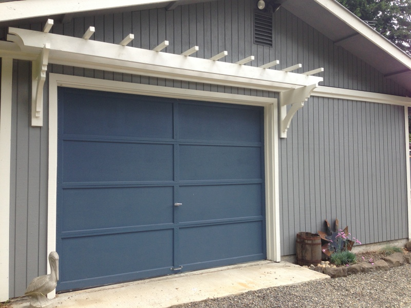 DIY Trellis Over the Garage Door