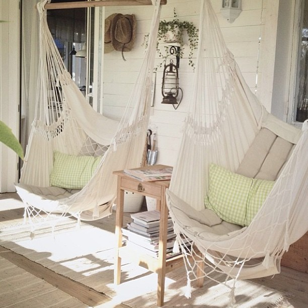 20 effortless porch swing ideas building utmost beautiful for Fabric hammock chair swing
