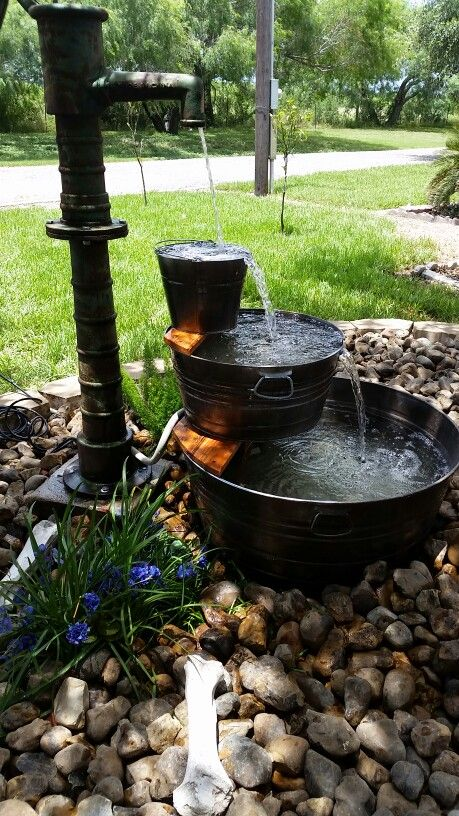 20 diy outdoor fountain ideas brightening up your home for Garden feature ideas
