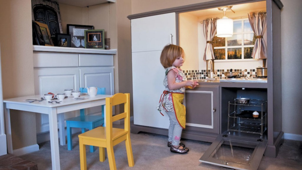 25 diy play kitchen ideas apt and appropriate for your for Nicest kitchen ever