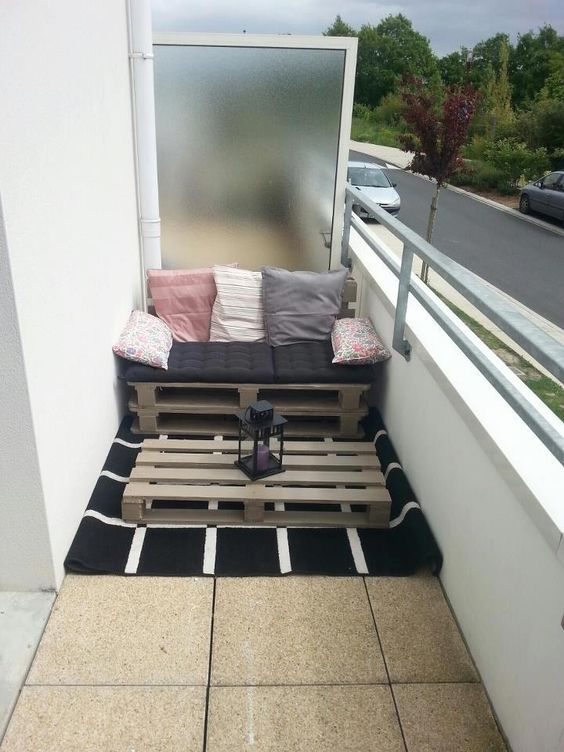 20 awesome small balcony ideas glorifying even the tiniest of spaces diy pallet furniture solutioingenieria Image collections