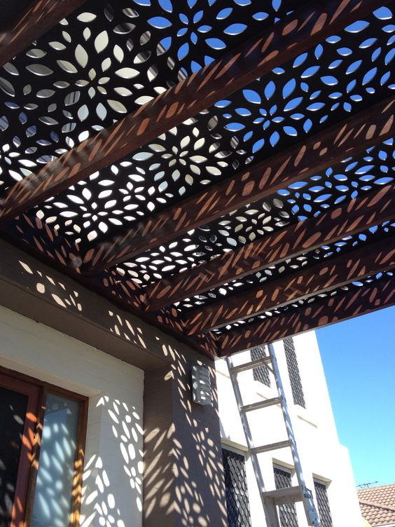 DIY Pergola – Outdoor Living Room