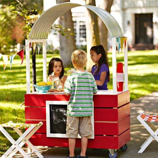Deluxe DIY Lemonade Stand