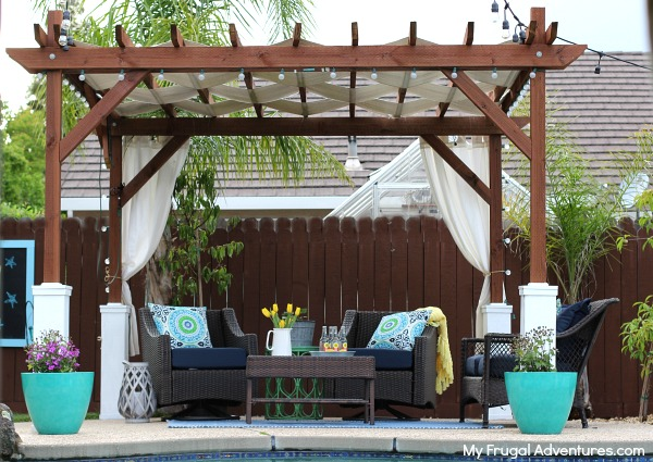 25 innovative pergola ideas blending comfort and beauty to for Gazebo cost to build