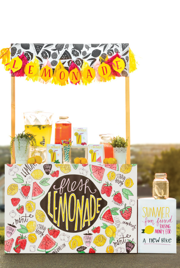 Luxuriously Printed Lemonade Stand