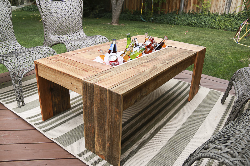 Pallet Wood Coffee Table With Drink Cooler Cute Diy Projects