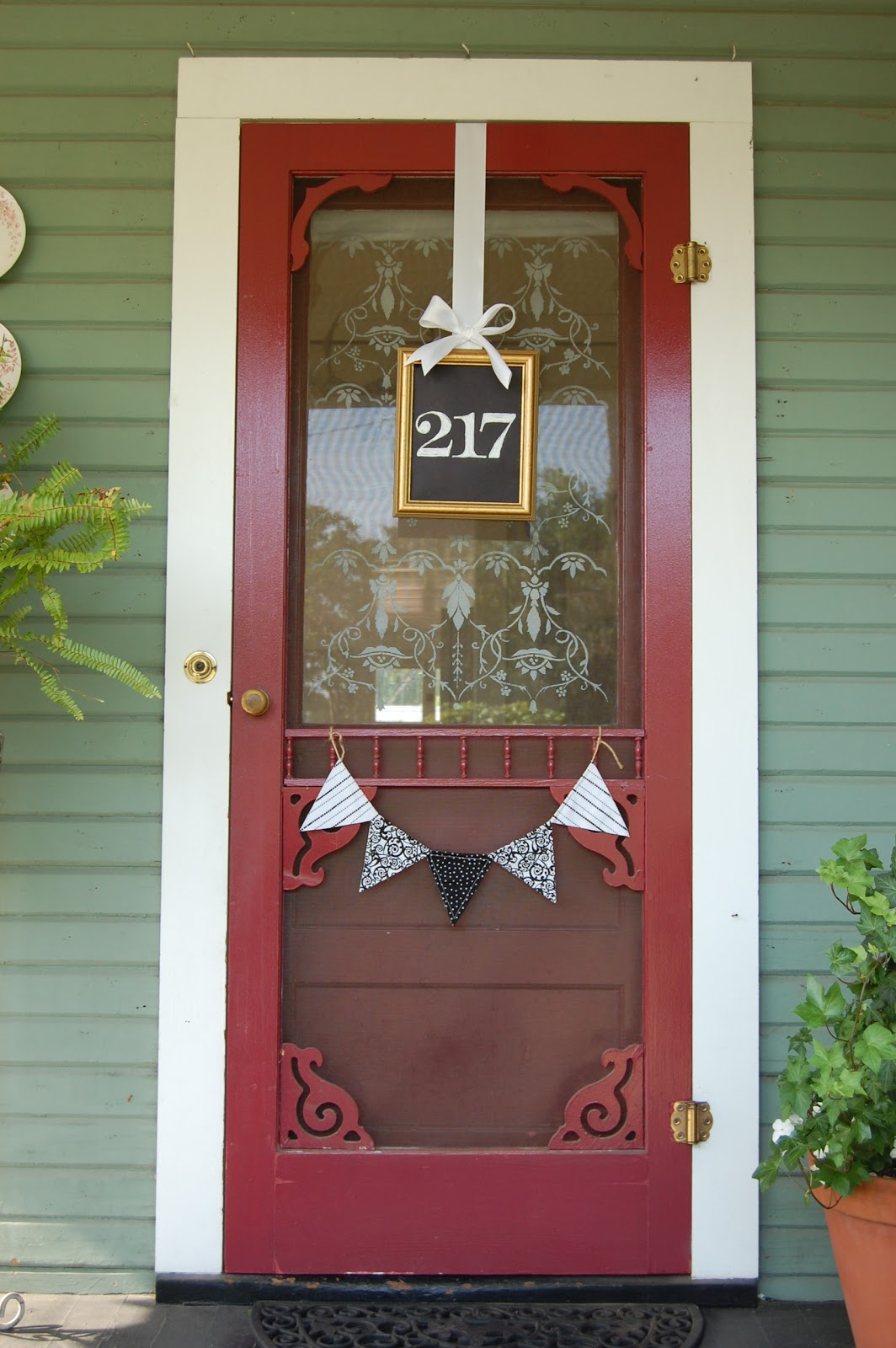 20 awe inspiring diy house number ideas displaying your for Front door and frame