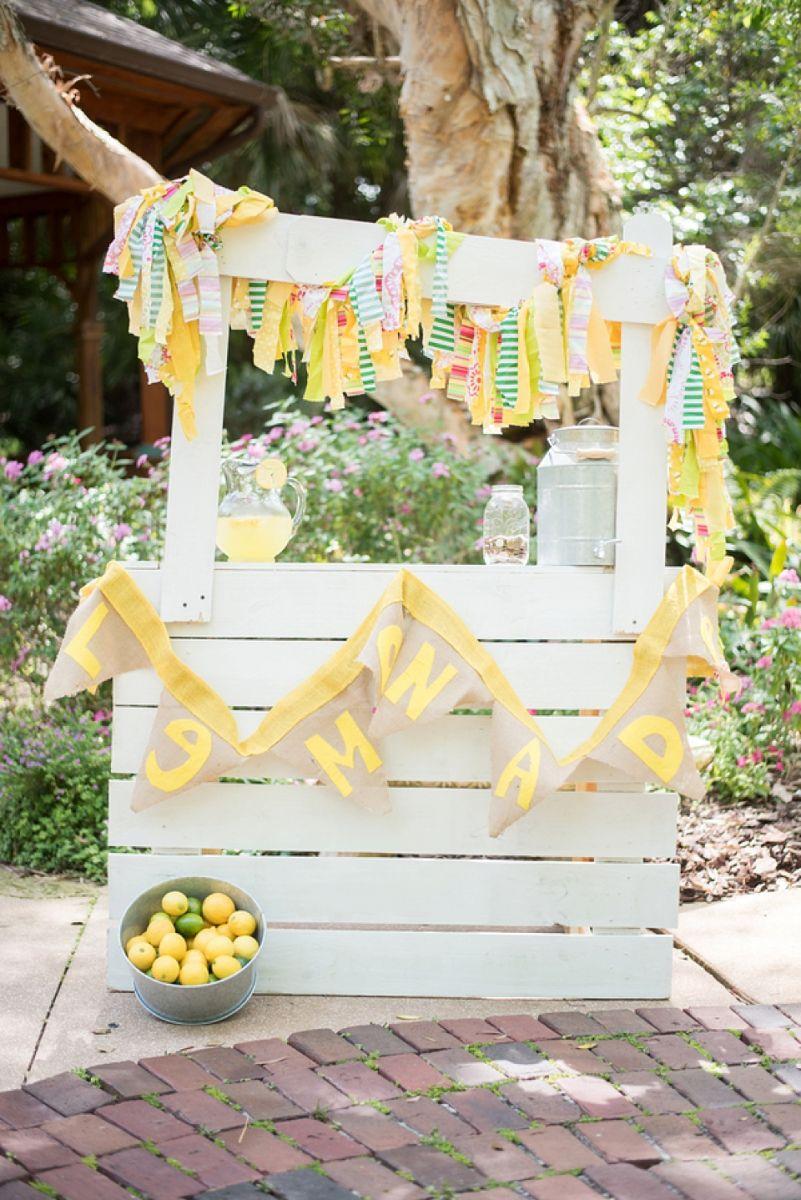 Sunshine Theme Lemonade Stand
