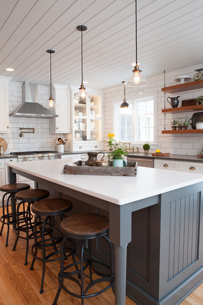25 awe inspiring kitchen island ideas blending beauty with for Farmhouse style kitchen lighting
