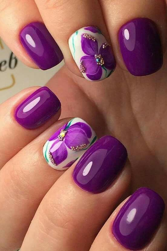 Delicate Purple Accent Floral Tips