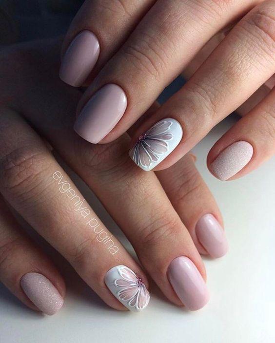 Nude Flower Manicure