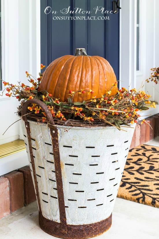 DIY Fall Olive Bucket Pumpkin Planters