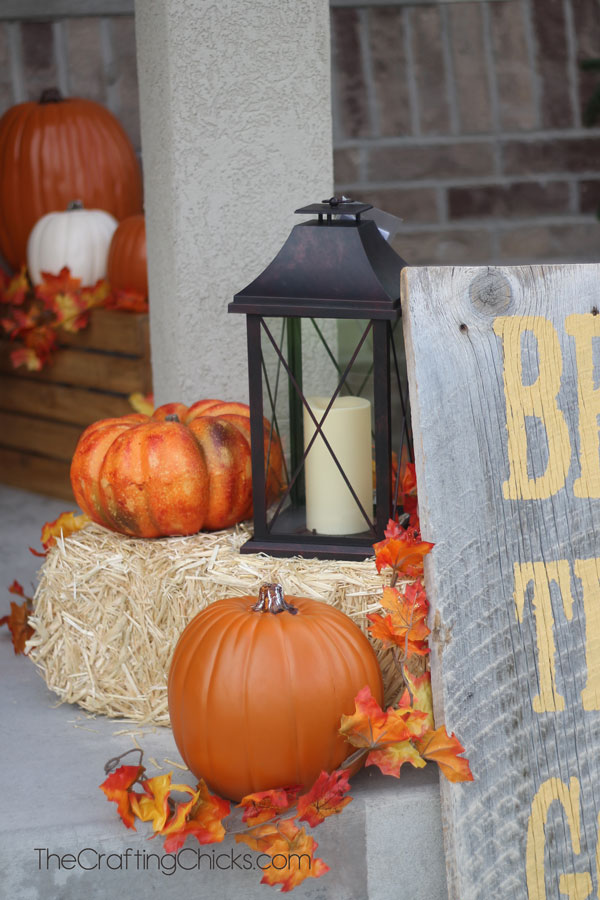 Farmhouse Themed Fall Porch Decor