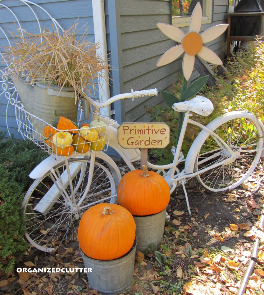 20 incredible fall outdoor decor ideas getting the home for Bicycle decorations home
