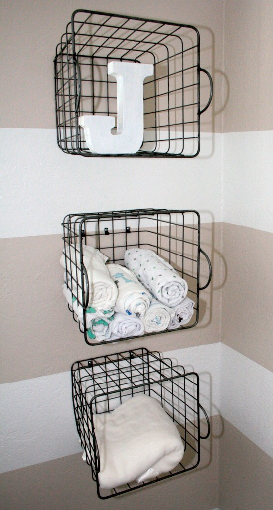 Vertical Mesh Basket Rack