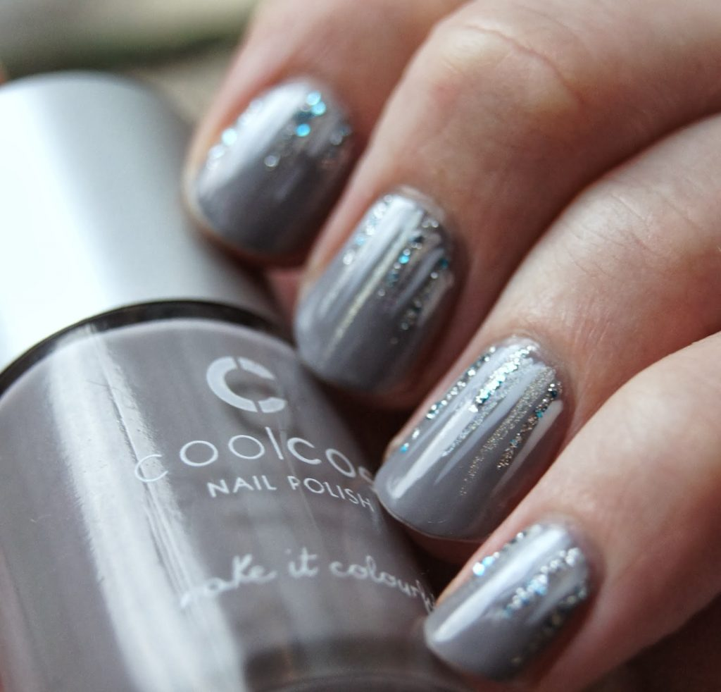 Waterfall Winter Nail Design - 35 Beautiful Winter Nail Designs Shrinking The Season To Your Fingertips