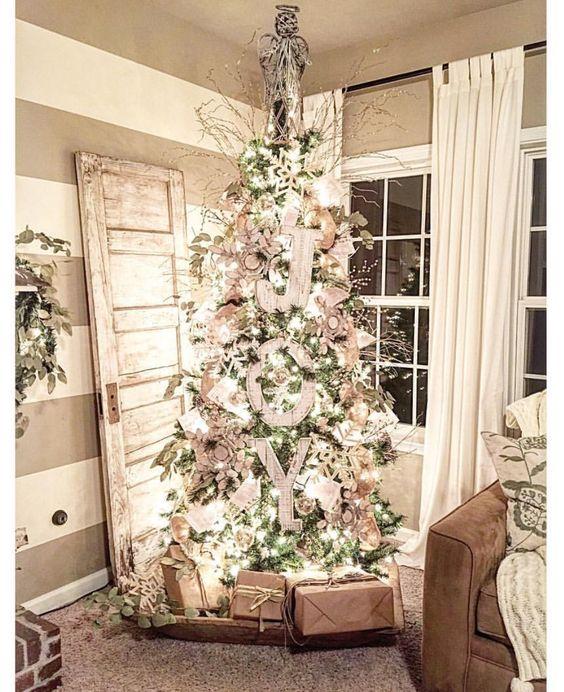 Luxurious Farmhouse Christmas Tree