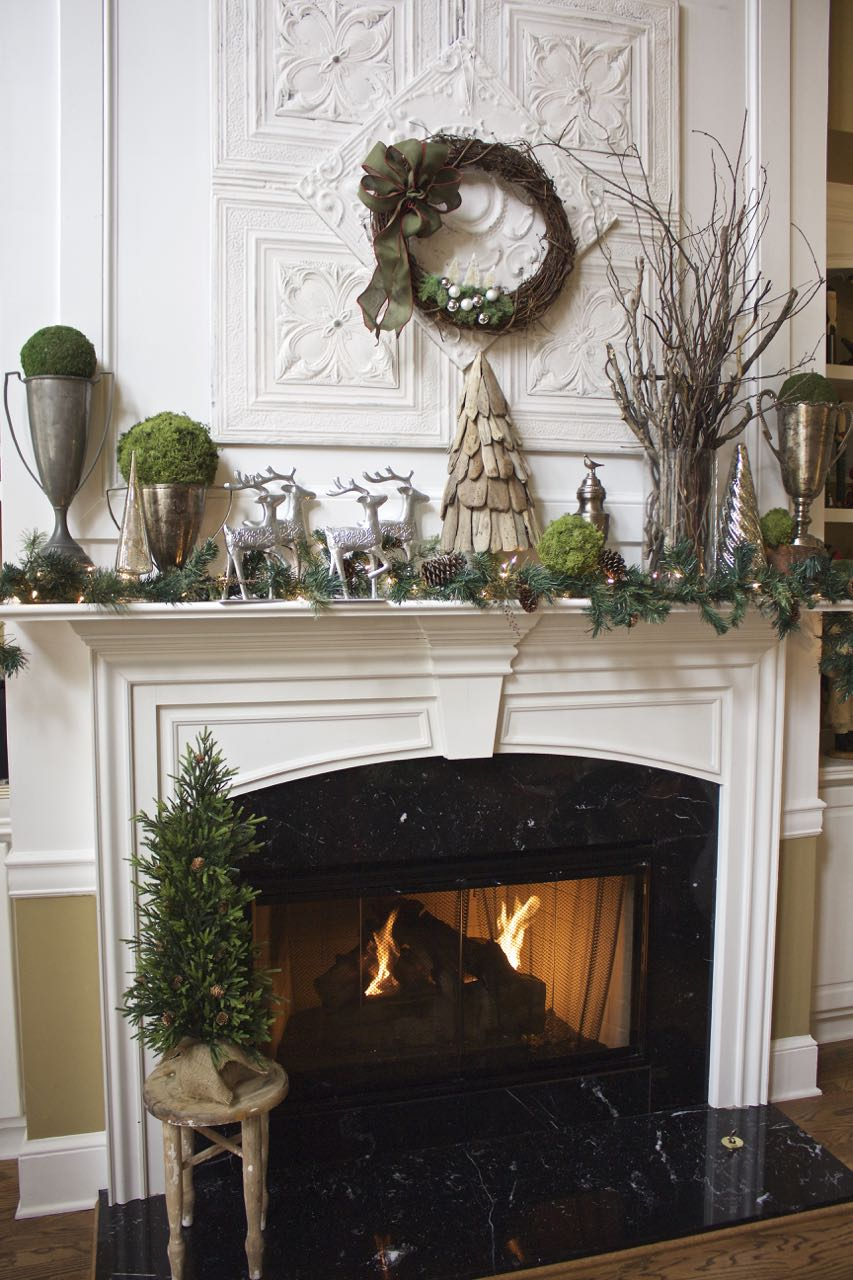 20 Ideas For A Christmas Mantel Decor Worth Remembering