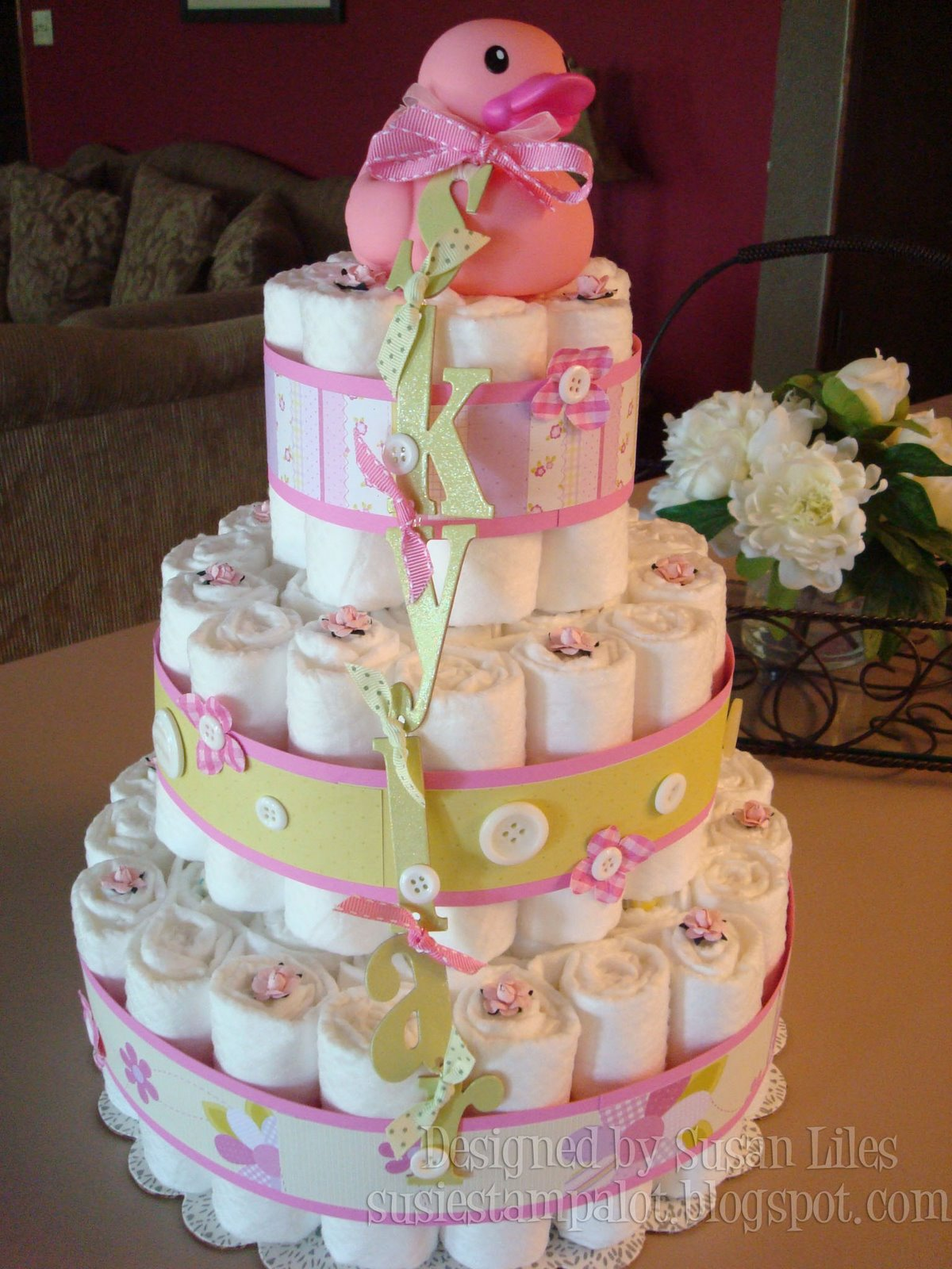 18 Adorable Diaper Cake Ideas To Make A Baby Shower More Special