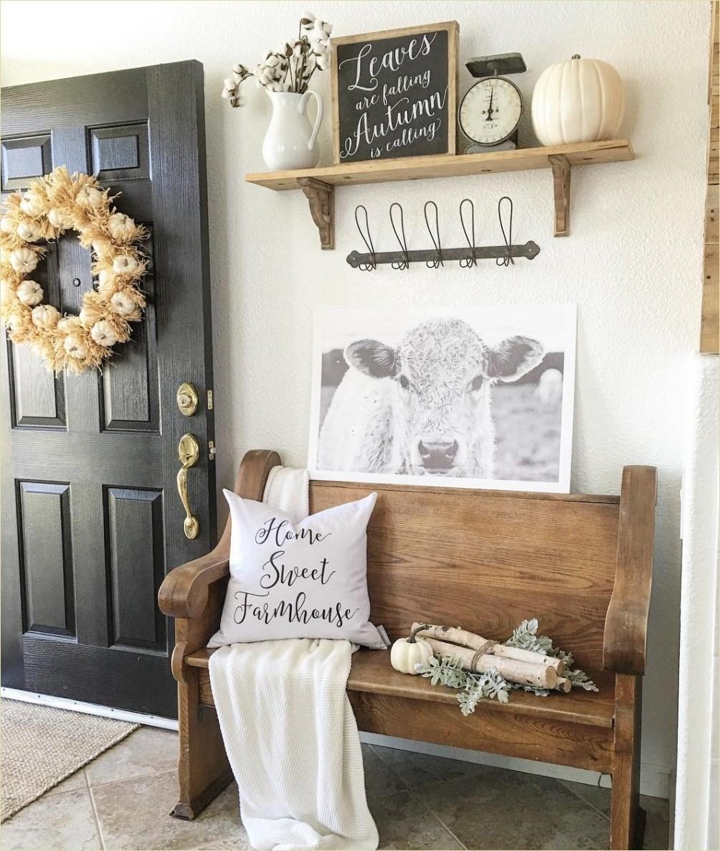 Minimalist Entryway Farmhouse Decor