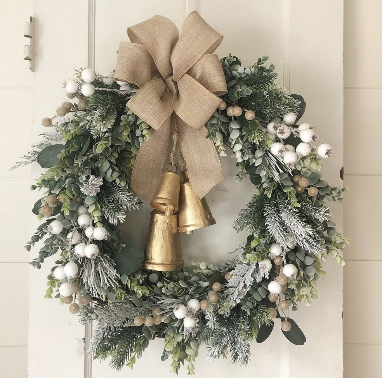 21 DIY Christmas Decoration Ideas That Will Make Your Home Look Splendid